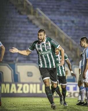 Em jogo de muitos gols, Coritiba vence o Londrina de virada
