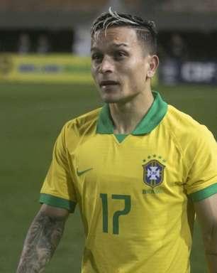 Tite chama atacante Artur, do Bragantino, para Seleção
