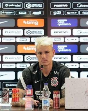 Roger mira Seleção e põe Corinthians na briga pelo título