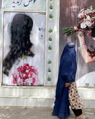 A maquiadora afegã que agora vive escondida