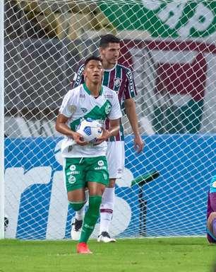 Com gol contra no fim, Fluminense empata com o Juventude