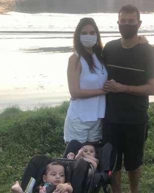 André Rizek posta foto e internautas apontam 'dedão bizarro'