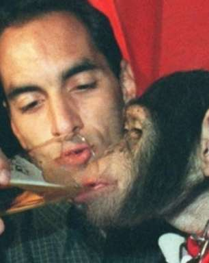 """Edmundo revive polêmica de cerveja e macaco: """"Me ferrei"""""""