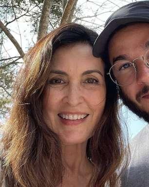 Fátima Bernardes ganha surpresa de Túlio Gadelha ao vivo