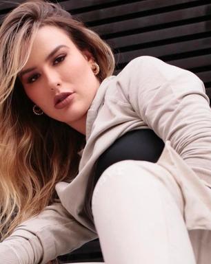 Fernanda Keulla ousa em look com moletom e salto alto