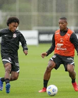 Desfalcado de Jô, Corinthians treina para pegar Atlético-GO