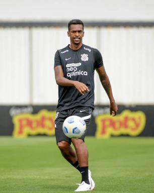 Corinthians tem retorno de Jô em penúltimo treino para duelo