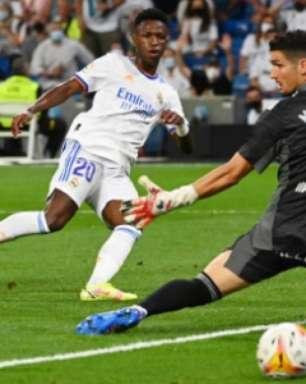 Ancelotti rasga elogios a Vini Jr. após goleada: 'Qualidade impressionante'