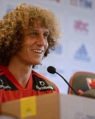 David Luiz é regularizado e dá mais um passo para estrear