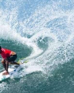 Mundial de Surfe: brasileiros Medina e Toledo decidem título