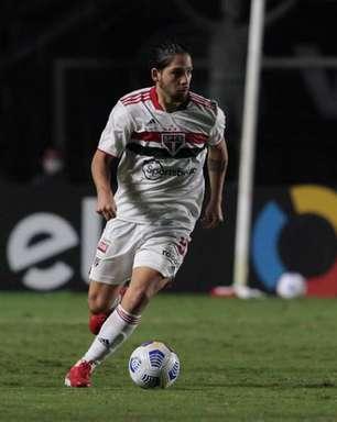 Benítez é punido pelo STJD e não joga contra o Atlético-GO