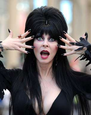 Elvira apresentará maratona de terror no streaming Shudder