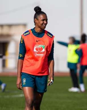 Daiane projeta período de preparação proveitoso na Seleção