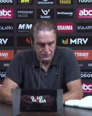 ATLÉTICO-MG: Cuca vê dois tempos distintos na vitória sobre o Fluminense e destaca mudança de postura da equipe na segunda etapa