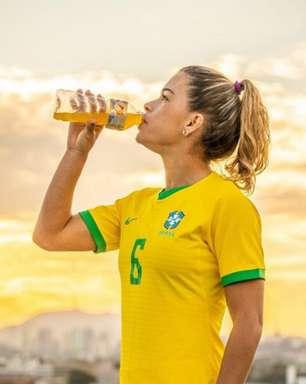 Tamires, lateral do Corinthians e da Seleção, é escolhida embaixadora global de marca de isotônicos