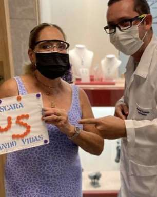 Susana Vieira recebe 3ª dose da vacina contra a covid-19