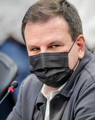 Rio pode desobrigar uso de máscara em novembro, diz Paes