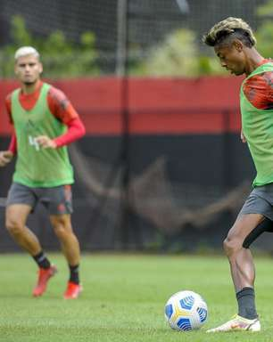 Bruno Henrique treina com grupo e fica perto de reforçar Fla