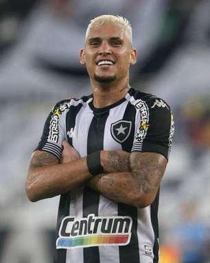 Rafael comemora gol de Navarro e brinca: 'Cabelo deu sorte para o homem gol'