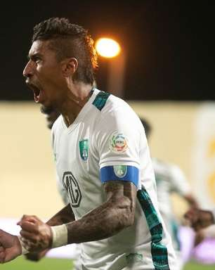 Ex-Corinthians, Paulinho rescinde com o Al Ahly após 4 jogos