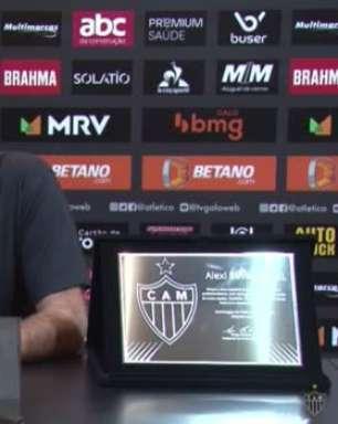 """ATLÉTICO-MG: """"Estamos muito satisfeitos com a partida dos dois"""", destaca Cuca ao falar da parceria Diego Costa-Hulk"""