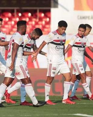 São Paulo evolui no ataque e tem versatilidade na defesa em vitória