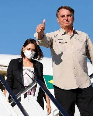 Michelle se vacinou contra Covid em NY, diz Bolsonaro