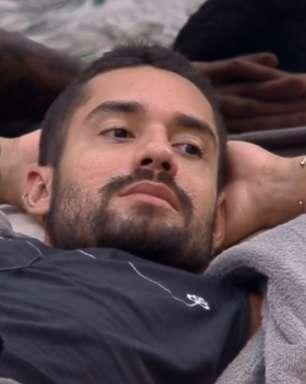 Bill Araújo diz sofrer preconceito por ser bonito