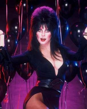 """Atriz de """"Elvira, a Rainha das Trevas"""" revela viver relação lésbica há 18 anos"""