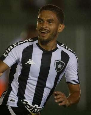 Marco Antônio sente desconforto muscular e desfalca o Botafogo contra o CSA