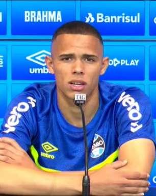 """GRÊMIO: Vanderson comemora vitória sobre o Flamengo no Maracanã: """"O astral melhora e tudo fica mais leve"""""""