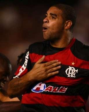 Adriano destaca força do Flamengo na Libertadores e volta da torcida: 'É um jogador a mais dentro de campo'