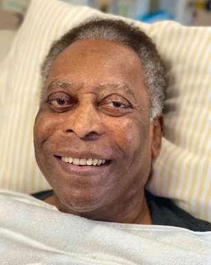 Em recuperação no hospital, Pelé canta o hino do Santos; assista