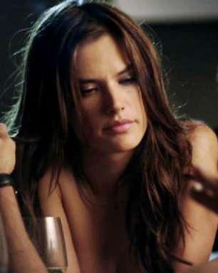 Alessandra Ambrosio enfrentou perrengue para conseguir gravar Verdades Secretas; entenda!