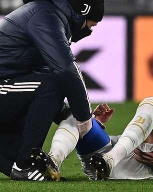 Arthur, meia da Juventus, sofre acidente de carro e amassa Ferrari