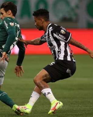 Raphael Veiga diz que gostaria de jogar com a torcida do Palmeiras no Allianz Parque: 'A gente tem saudade'