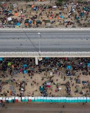Reprimidos na fronteira dos EUA, migrantes haitianos buscam asilo no México