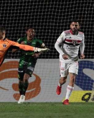 Sistema defensivo do São Paulo não passa segurança em empate