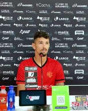 """VITÓRIA: Em sua apresentação, Manoel aponta sua chegada ao clube como """"maior desafio da carreira"""""""