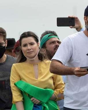 Eduardo Bolsonaro testa positivo para Covid após voltar dos EUA
