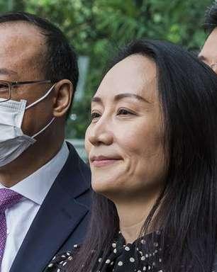 Após libertação de diretora da Huawei, China solta 2 canadenses