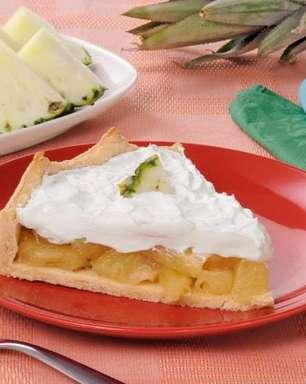 Torta de abacaxi: receitas para preparar sobremesas refrescantes