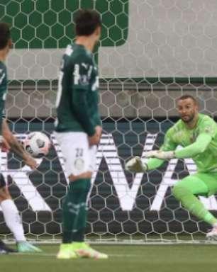 Cuca nega pressão para confronto contra o Palmeiras e evita falar da derrota do rival para o Corinthians