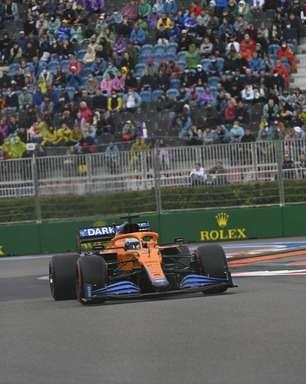 """Ricciardo lamenta não ter feito pit-stop """"uma volta antes"""" na chuva em Sóchi: """"Daria certo"""""""