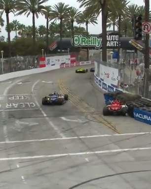 Ericsson bate sozinho em disputa com Rossi e abandona GP de Long Beach