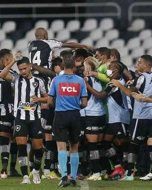 Botafogo dá resposta positiva após derrota, volta aos trilhos e continua caminho para o acesso no Brasileirão