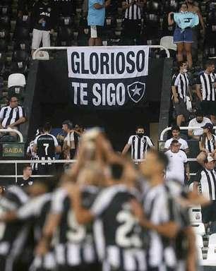 'Fica, Navarro!', 'Eu vi o Chay': torcida do Botafogo dá show à parte em vitória pela Série B