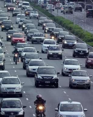 Preço da gasolina muda relação dos brasileiros com o carro