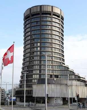 Moedas digitais de BCs podem fazer pagamentos internacionais mais rápidos, diz BIS
