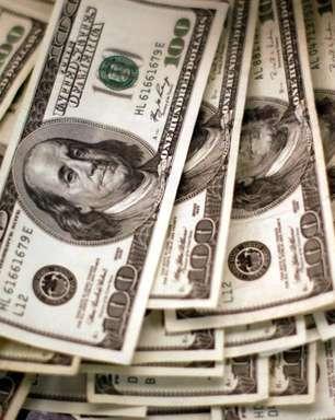 Dólar supera R$5,40 e já sobe 4,9% em setembro com exterior e riscos domésticos
